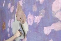 как очистить от краски стену