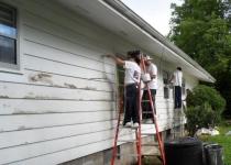 чем покрасить дом из дерева снаружи